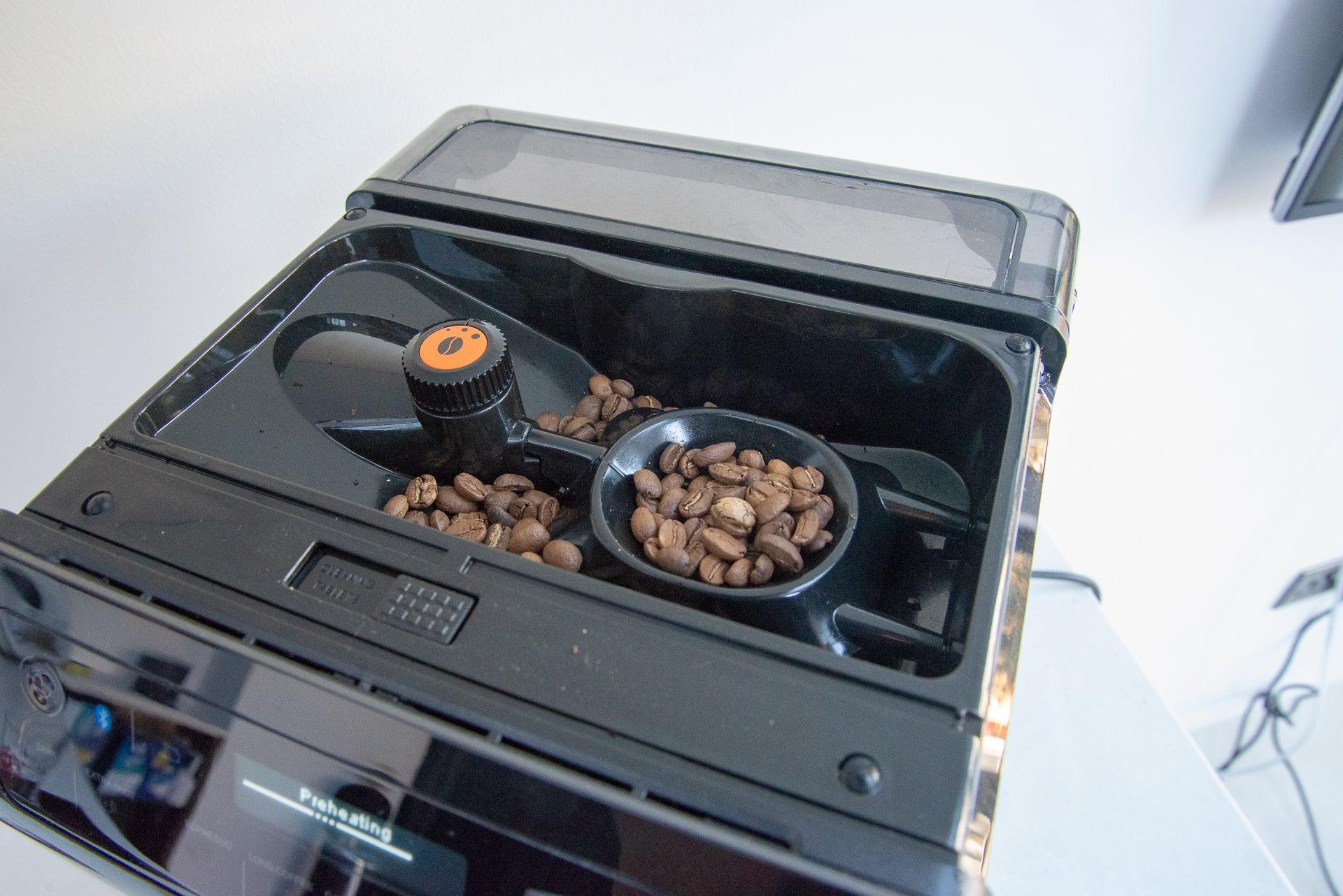 Krups Evidence EA893840 coffee hopper