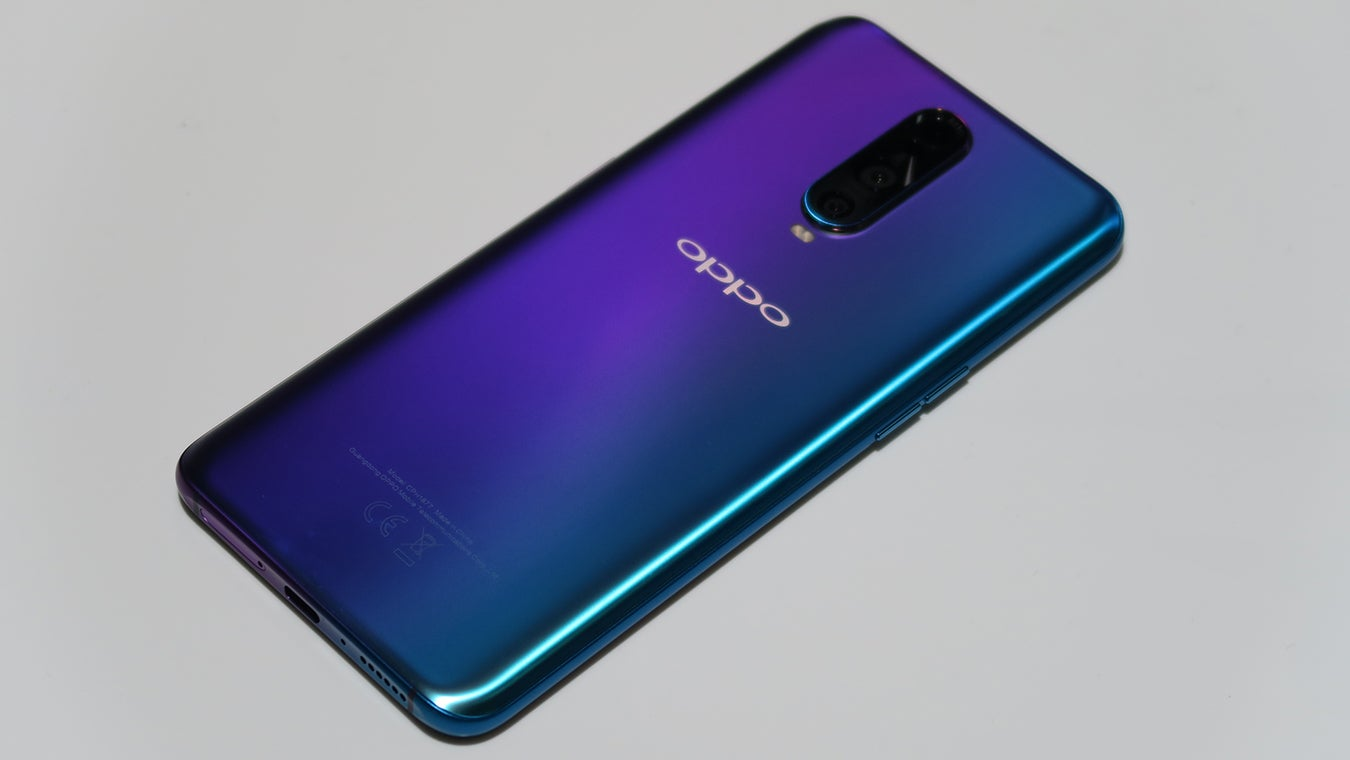 Oppo RX17 Pro hands on back 34 view