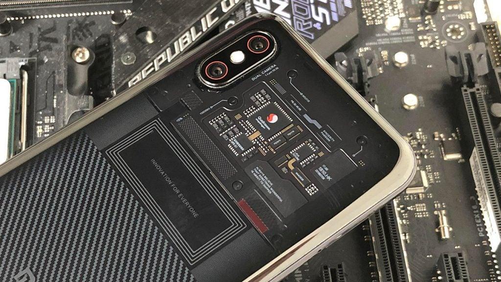 Xiaomi Mi 8 Pro герой обзора