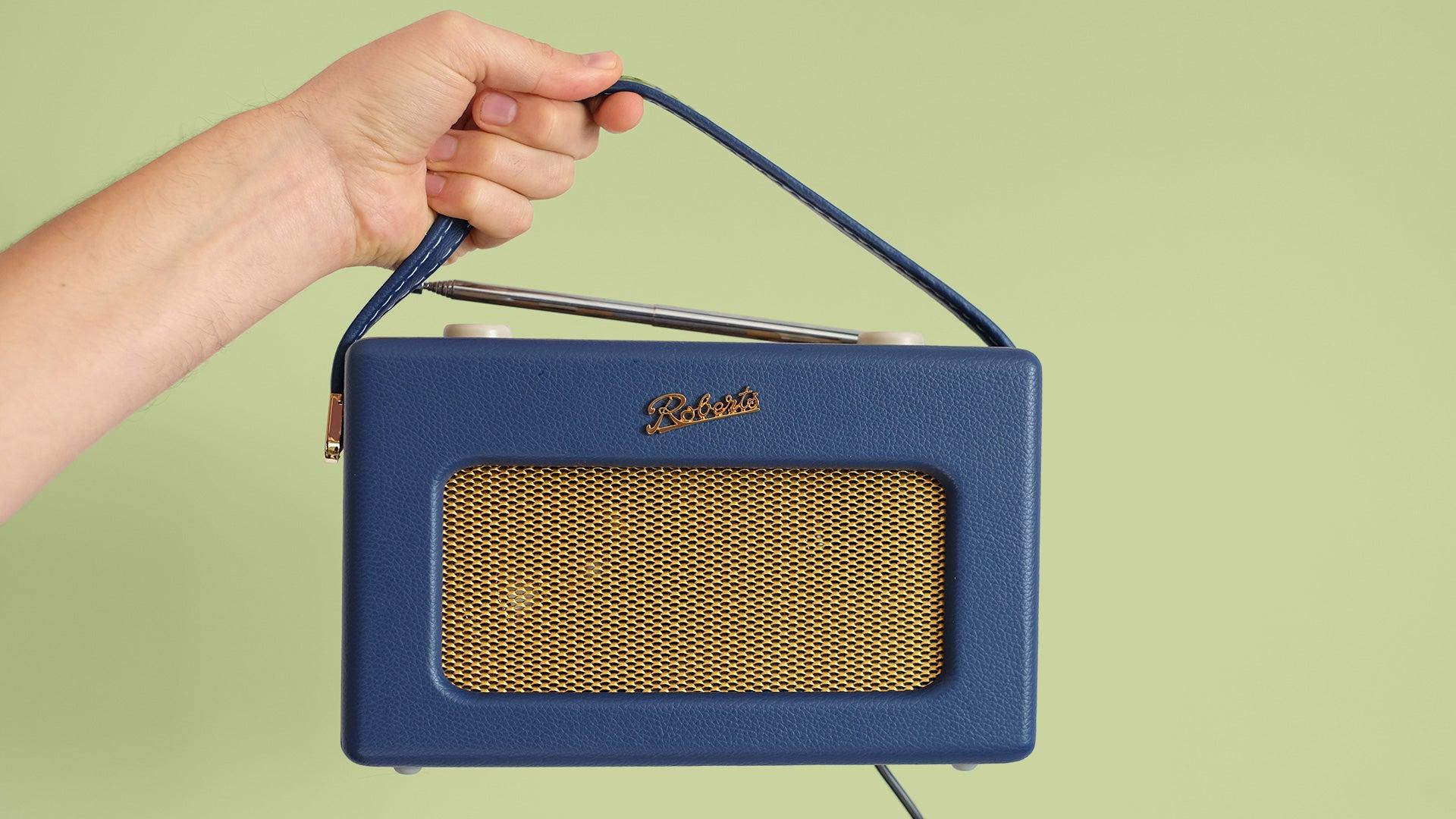 FM Wireless Portable Digital Bluetooth Radio Alexa Voice Controlled Smart Speaker Revival iStream 3 /&  Basics AA High-Capacity Rechargeable Batteries Roberts Radios REV-ISTREAM3PC Retro DAB//DAB