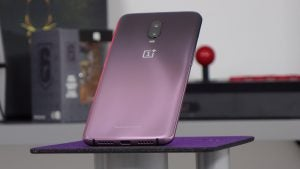 OnePlus 6T Thunder Purple on plinth 2