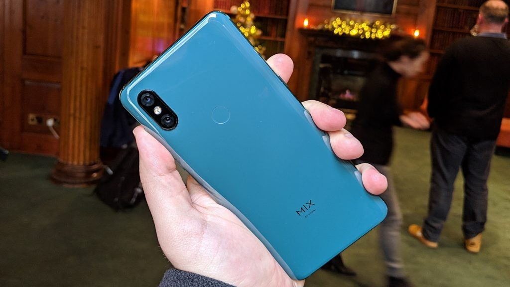 Xiaomi Mi Mix 3 back in hand Jade Green