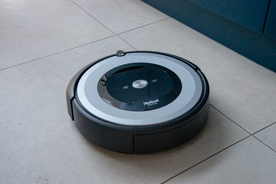 iRobot Roomba e5 hero