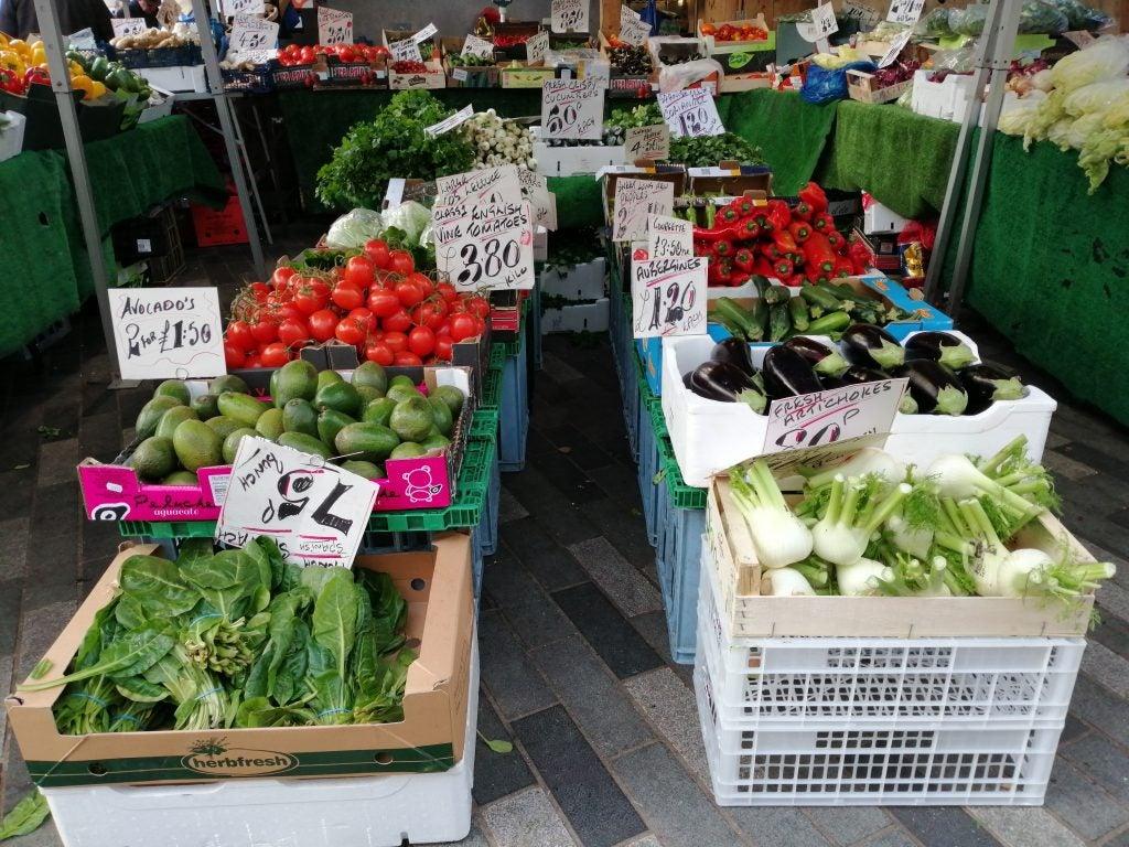 Honor 10 Lite cam sample natural light AI veg market