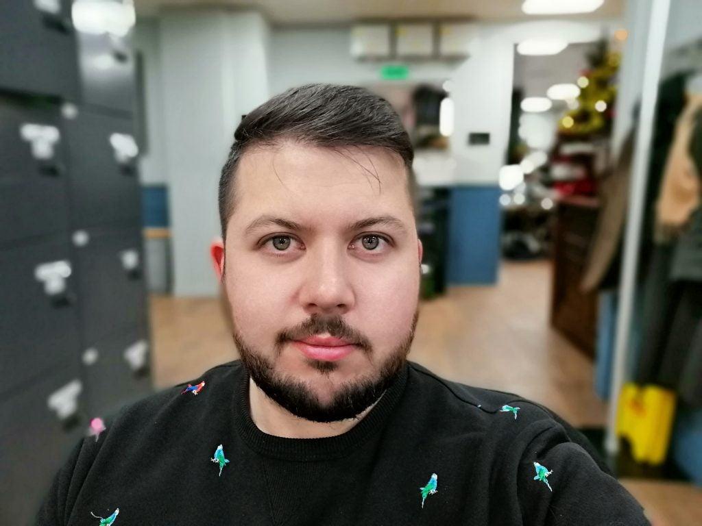 Honor 10 Lite cam sample selfie bokeh on