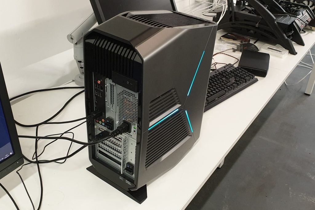 Alienware Aurora R8 gaming desktop Review | Trusted Reviews