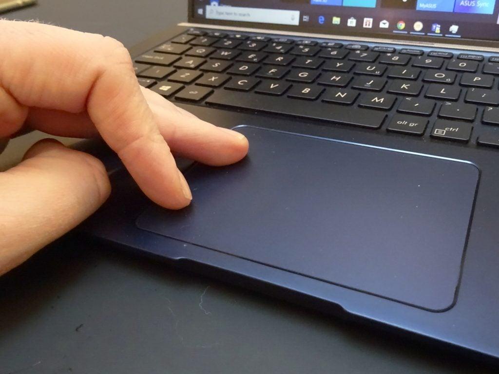 Asus ZenBook 15 (UX533F)