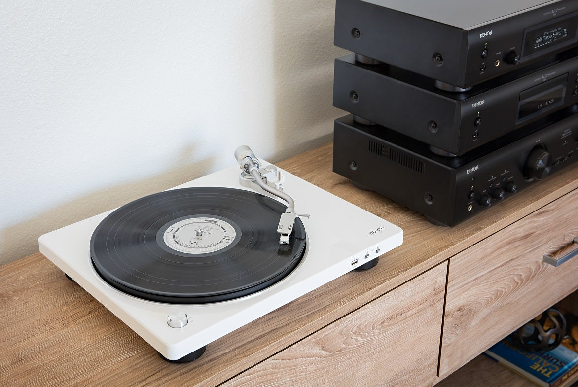 X1 Photos Mobile App >> Denon unveils stylish DP-400 and DP-450USB turntables ...