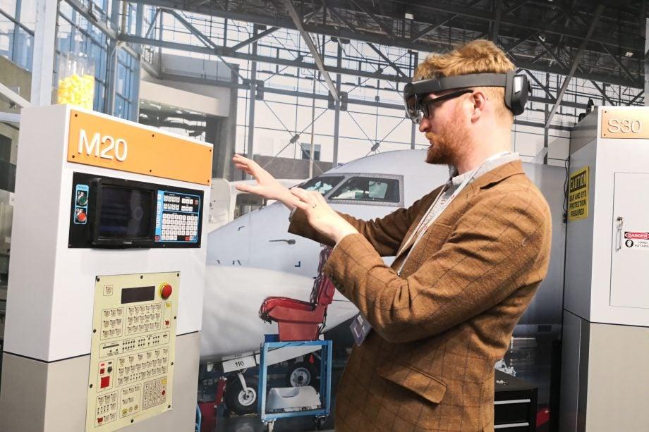 Microsoft HoloLens 2 hands on