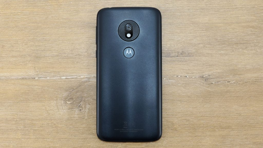 Moto G7 Play back on table