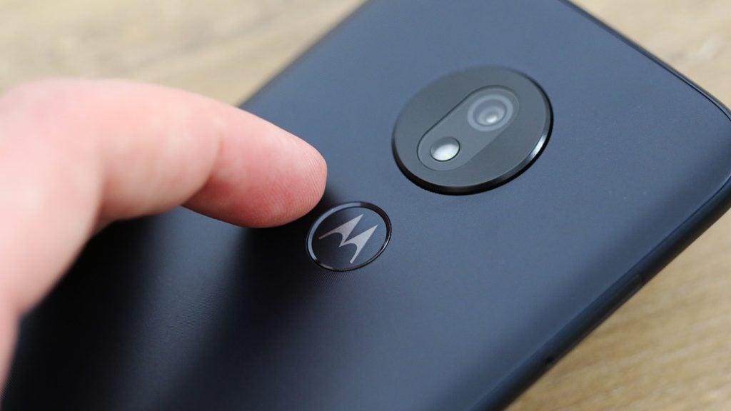 Moto G7 Play fingerprint sensor macro