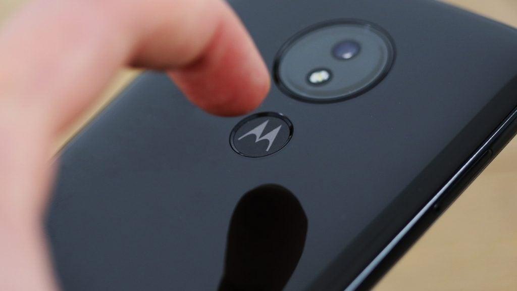 Moto G7 Power fingerprint sensor macro