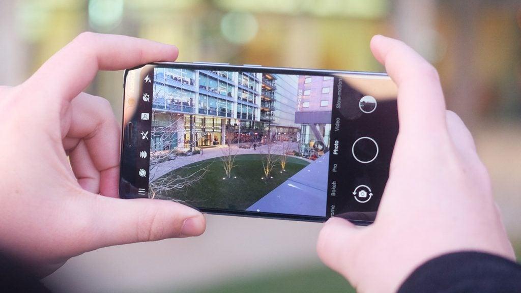 Nokia 9 PureView camera viewfinder closeup
