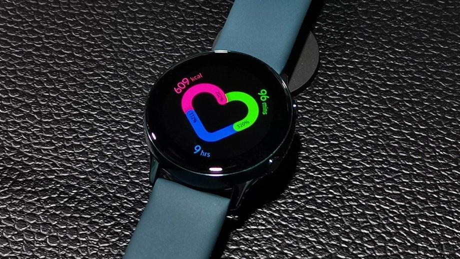 Samsung Galaxy Watch Active fitness UI