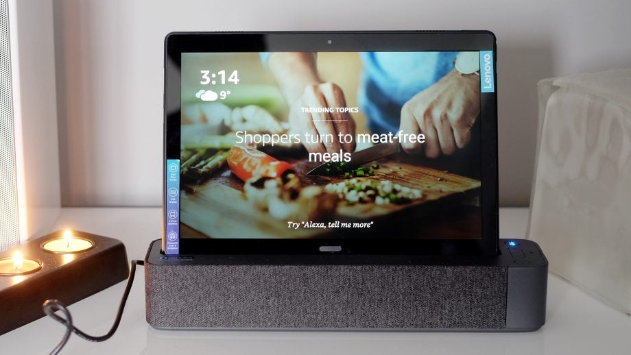 Lenovo Tab P10 in dock food