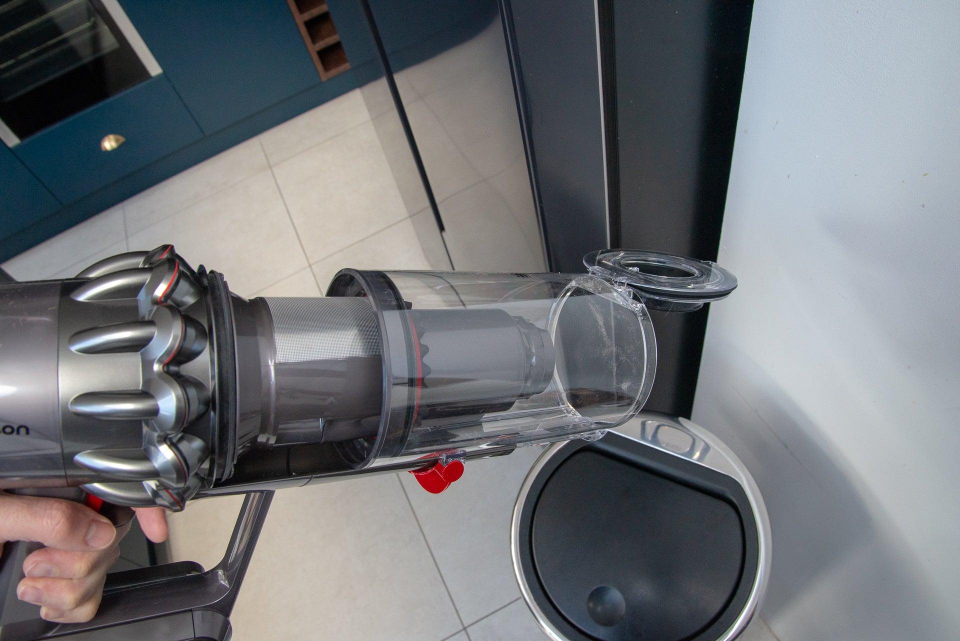 Dyson V11 Absolute emptying bin
