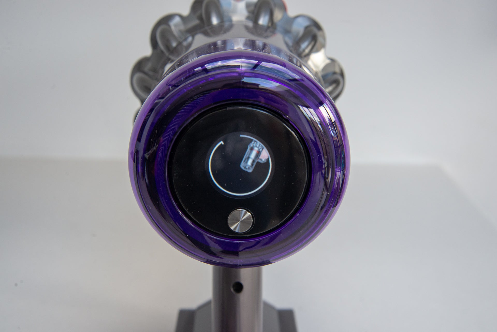 Dyson V11 Absolute screen showing how to clear blockage