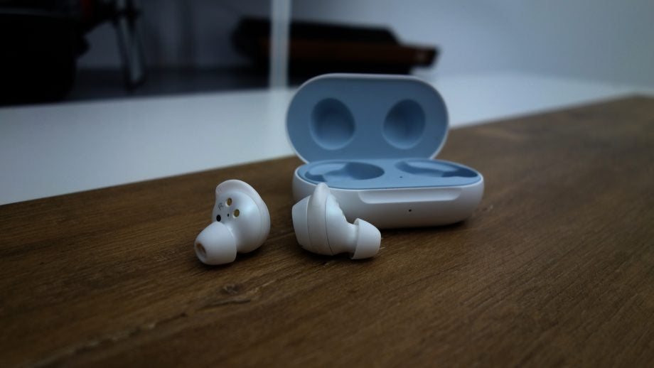 Galaxy Buds out