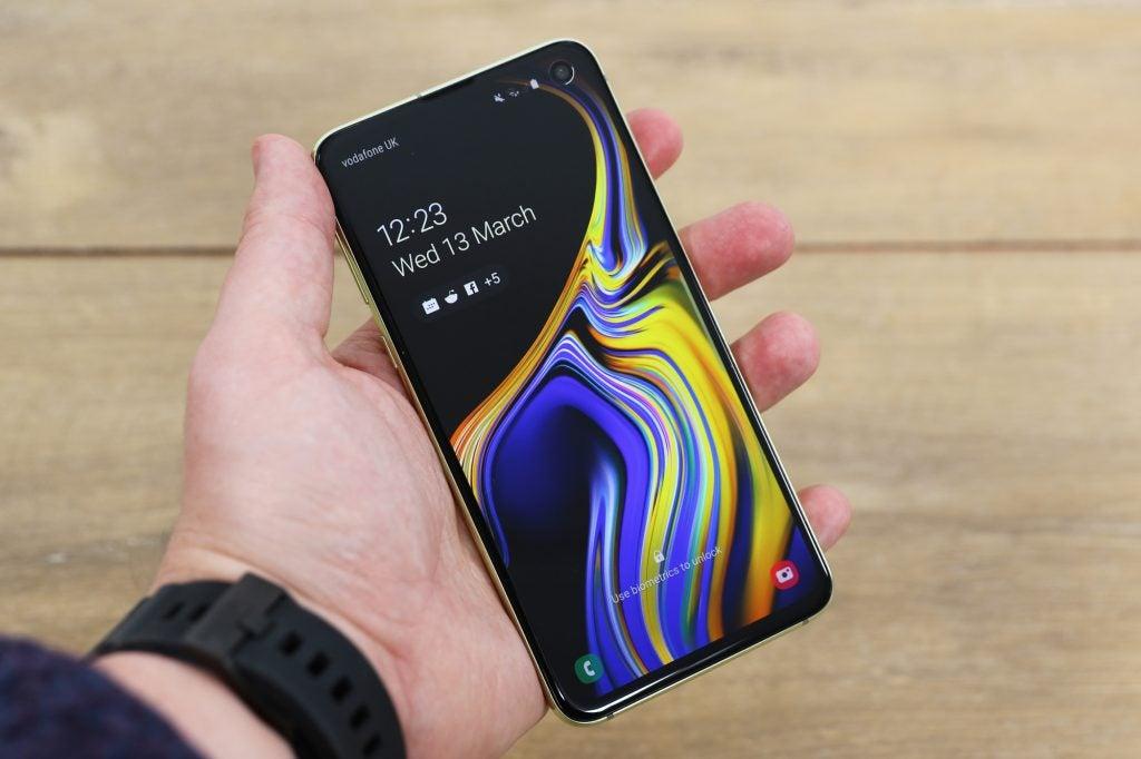 Samsung Galaxy S10e портативный