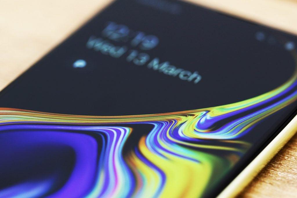 Макрос экрана Samsung Galaxy S10e
