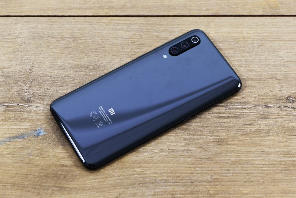Xiaomi Mi 9 back top down angled top right