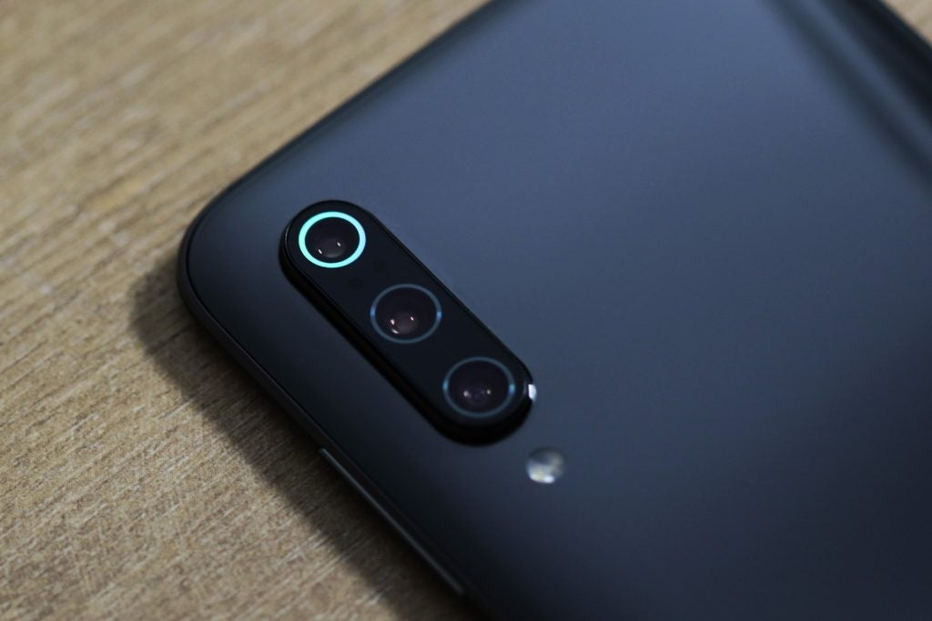 Xiaomi Mi 9 camera macro blue ring