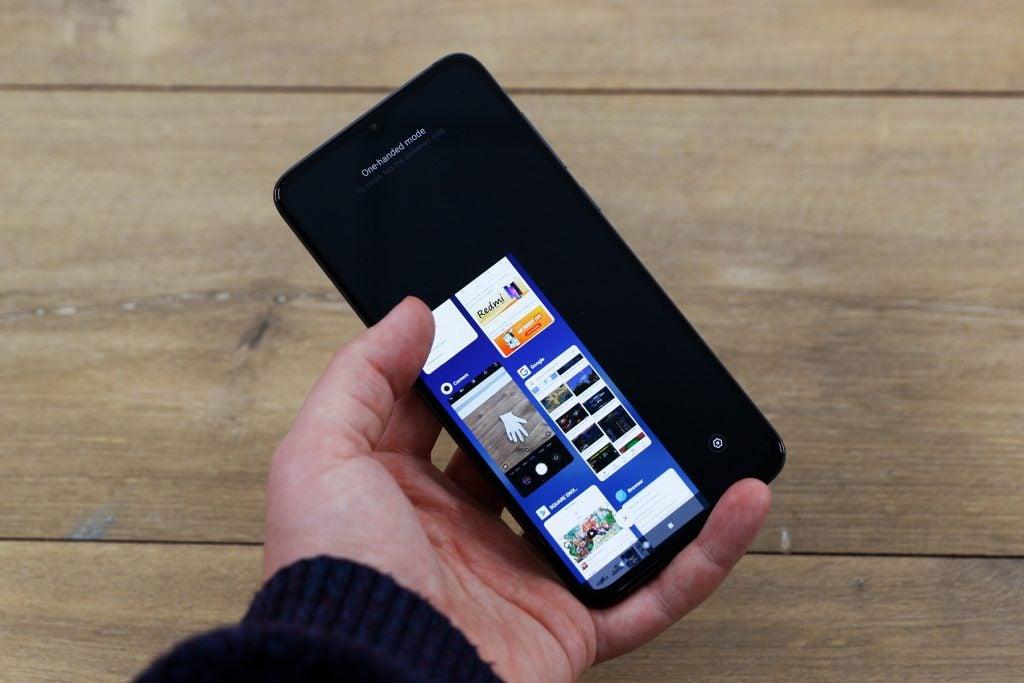 Xiaomi Mi 9 one handed mode