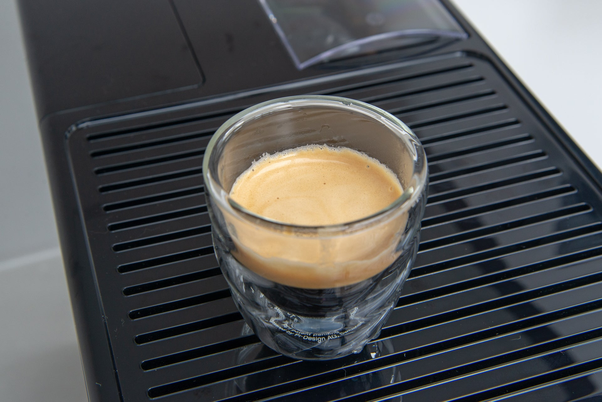 Melitta Caffeo Solo & Perfect Milk shot of espresso