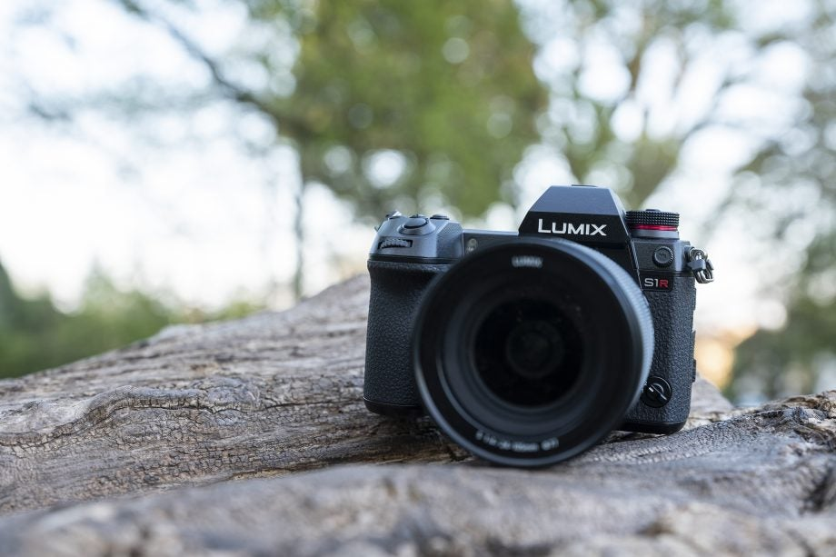 Panasonic S1R Review
