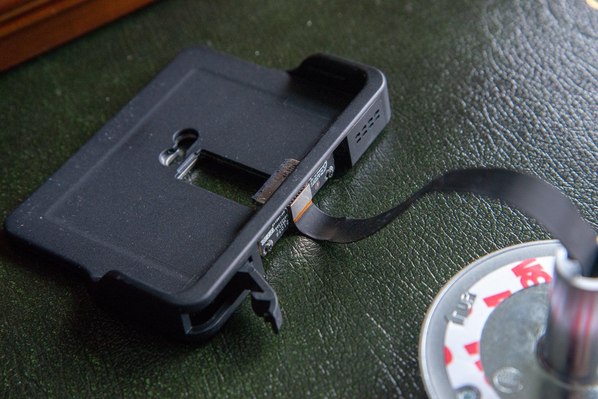EZViz DP 1 cradle and cable