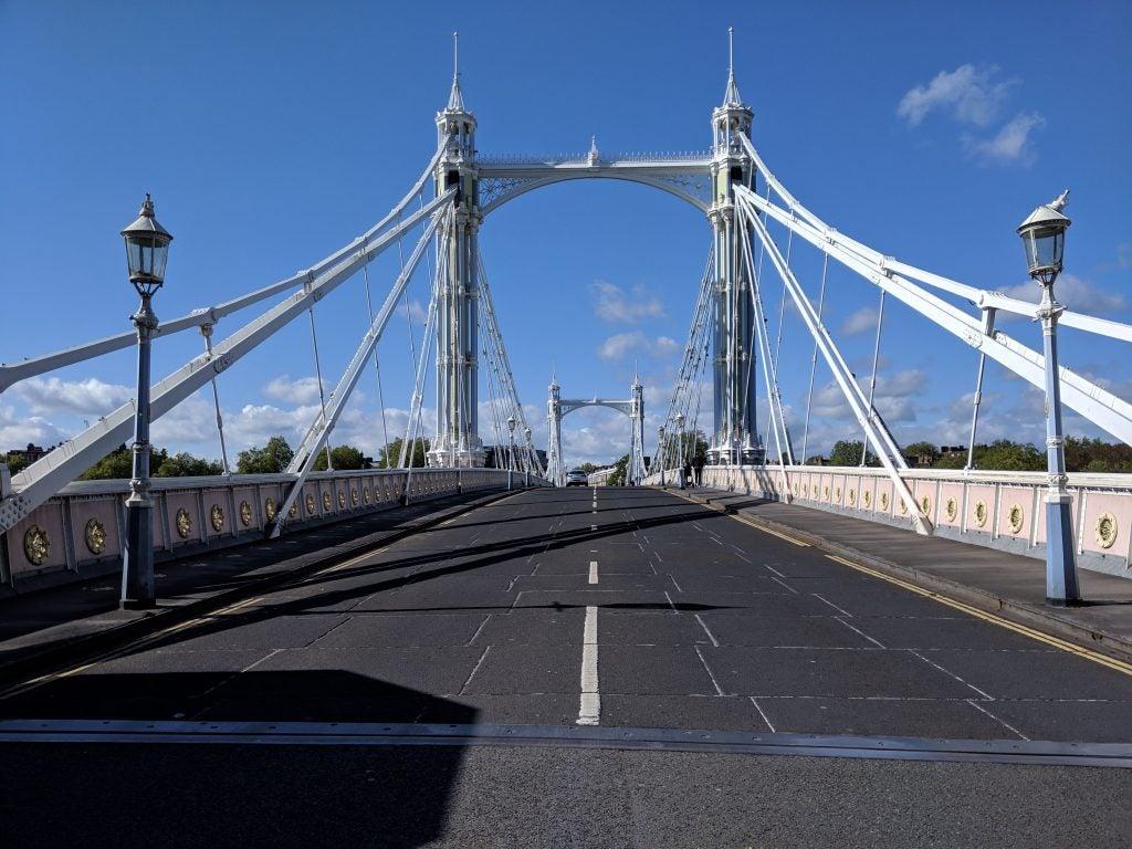 Google Pixel 3a XL camera sample natural light bridge
