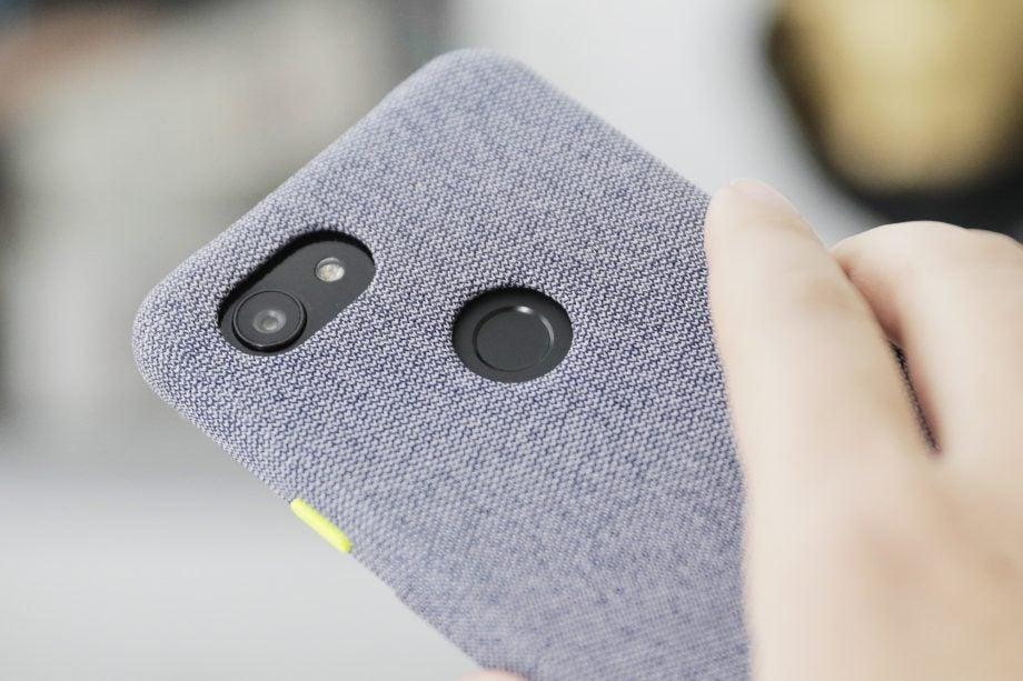 Google Pixel 3a camera in case macro