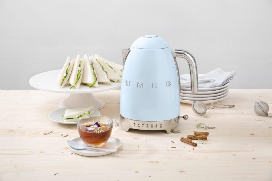 Smeg KLF04 kettle