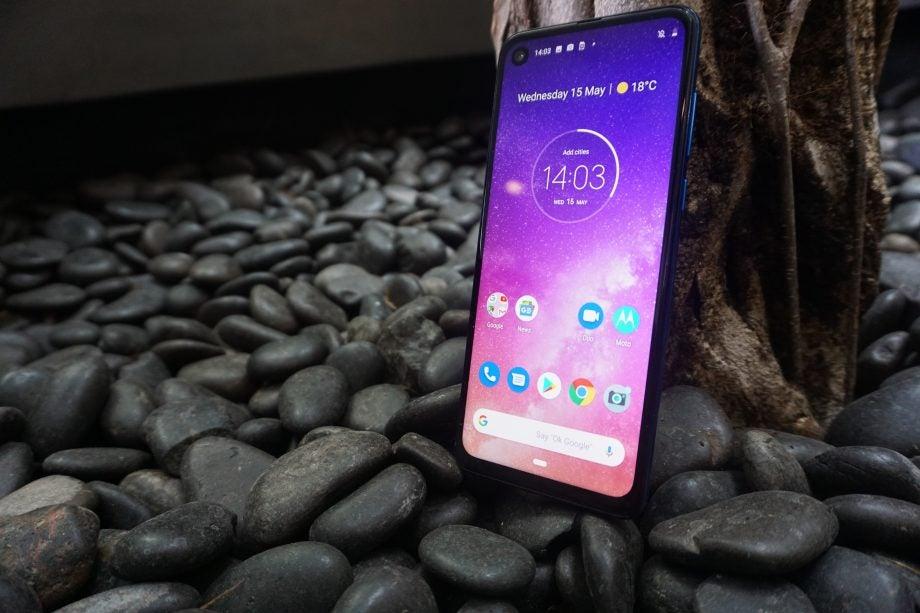 Motorola One Vision screen