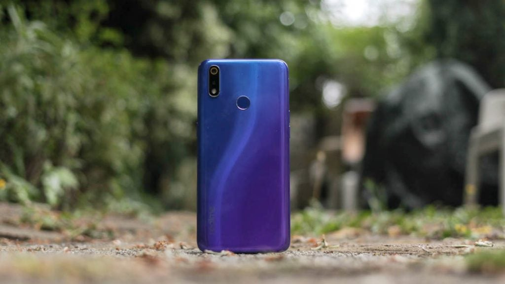 Realme 3 Pro back straight wide