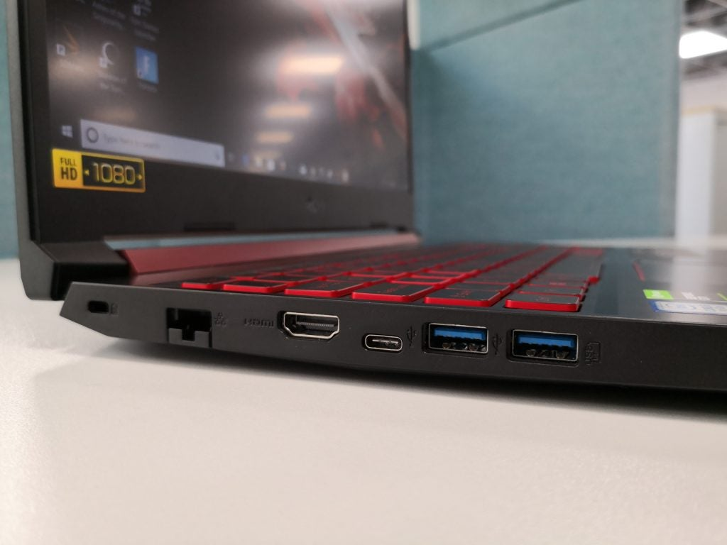 Acer Nitro 5 (AN515-54) review - left hand side ports