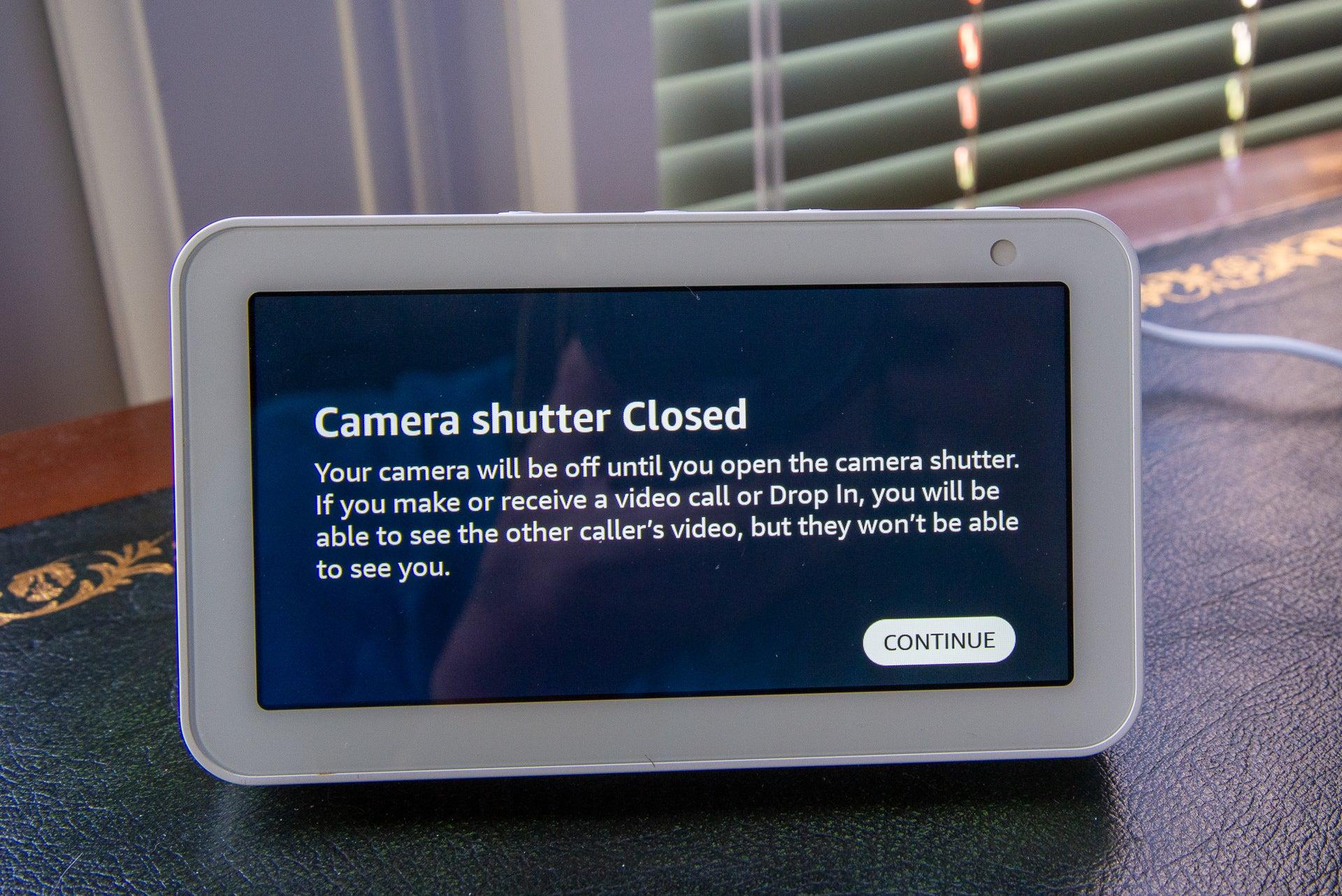 Amazon Echo Show 5 Camera shutter
