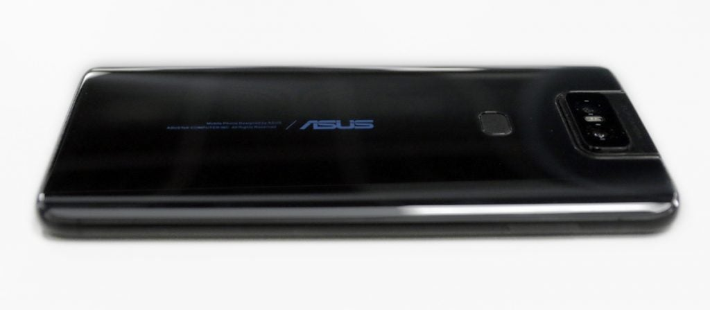 Asus ZenFone 6 боковая перспектива