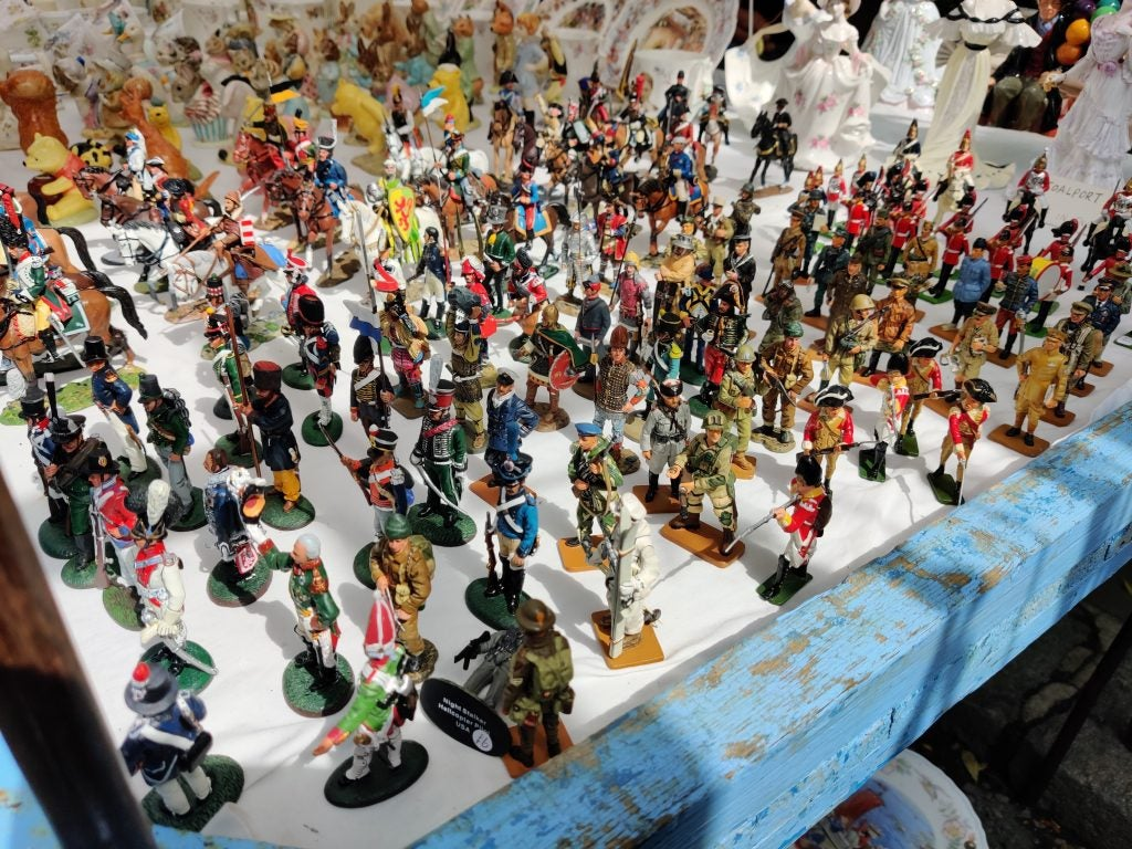 OnePlus 7 camera sample natural light toy soldiers