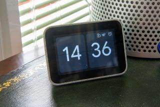 Lenovo Smart Clock front