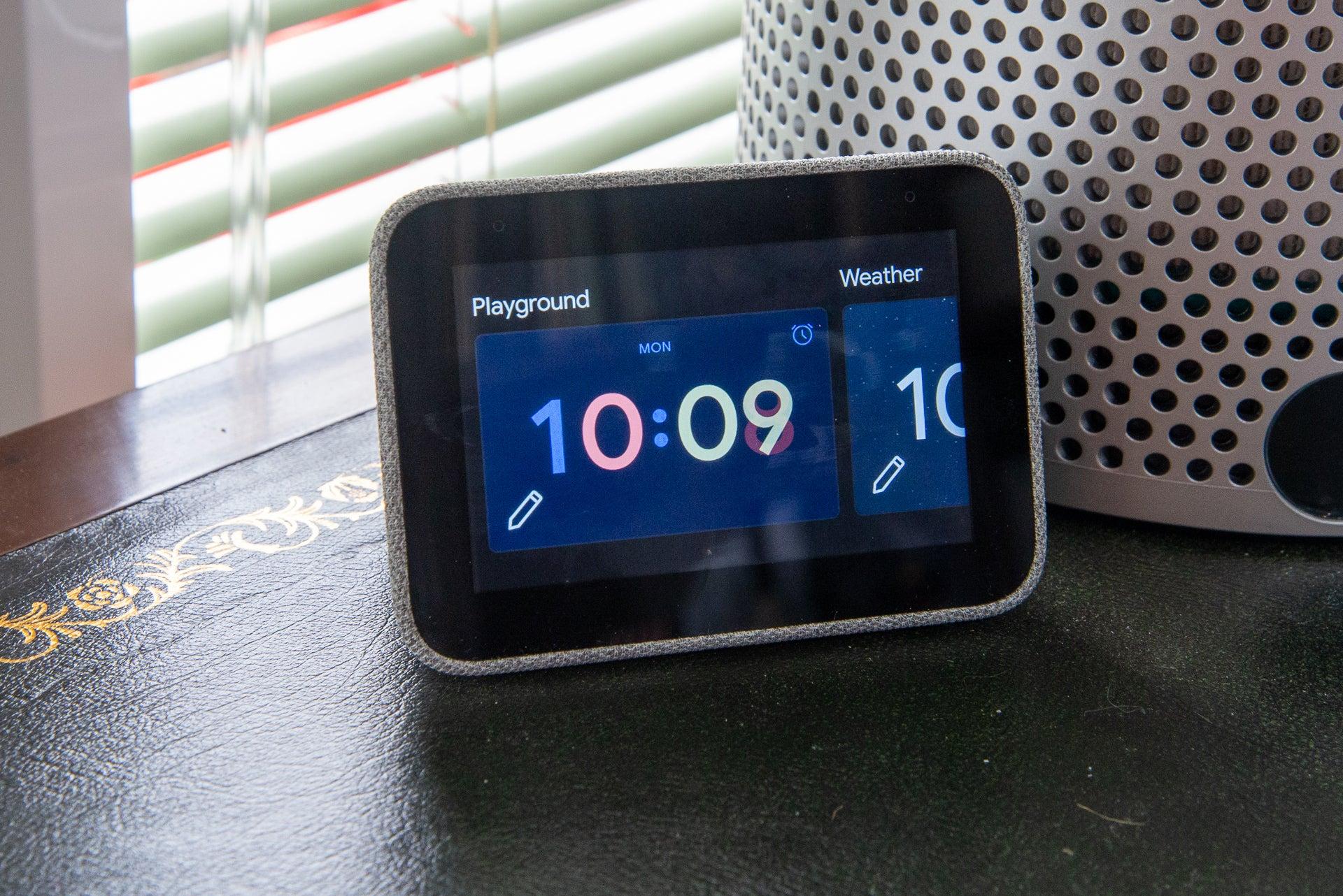 Lenovo Smart Clock clock faces
