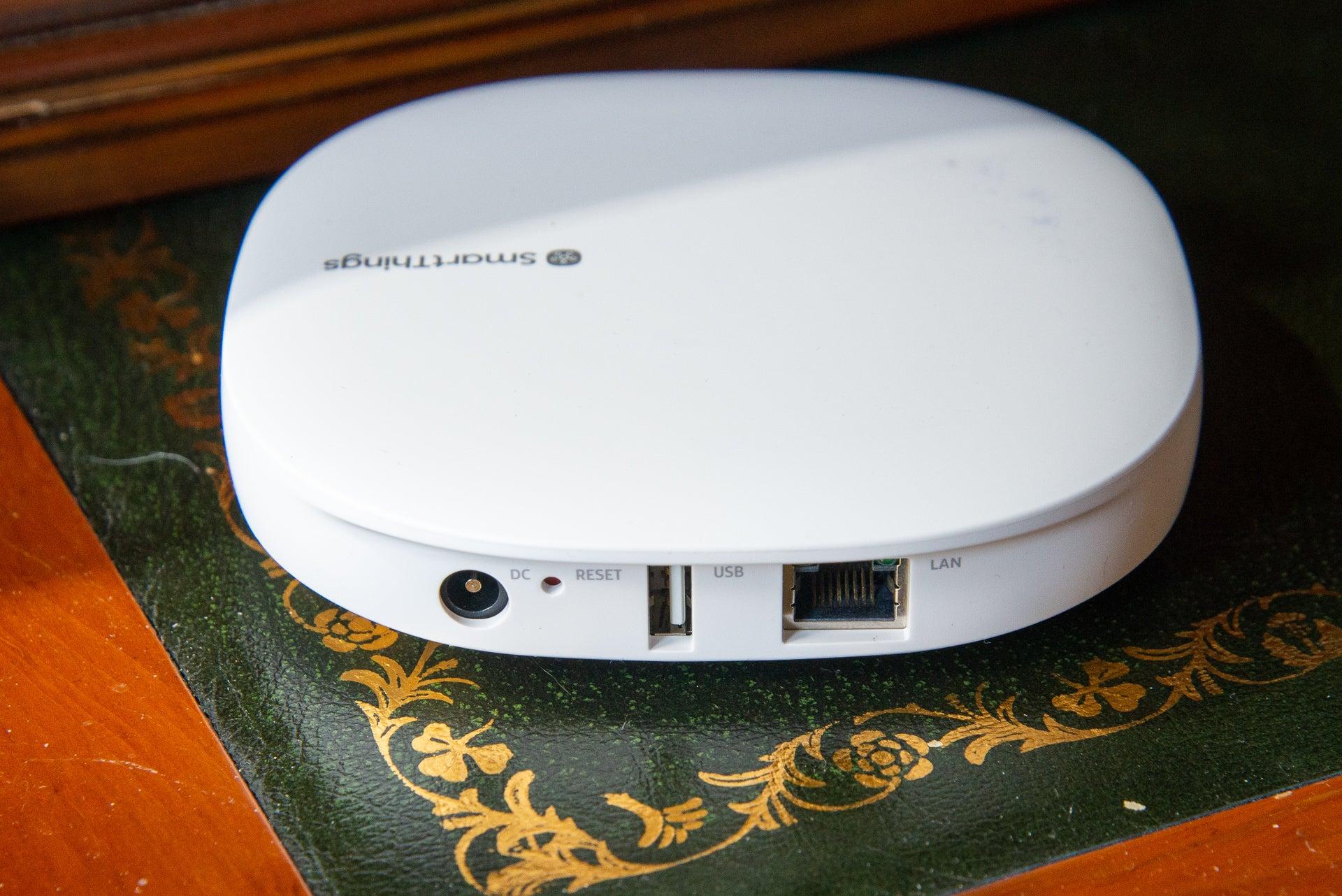 Samsung SmartThings hub ports
