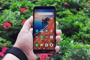 Xiaomi Redmi 7A front straight handheld