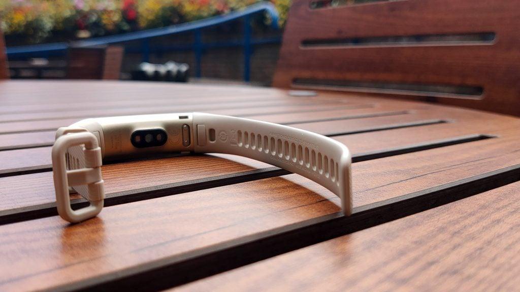 Huawei Band 3 Pro Review 3