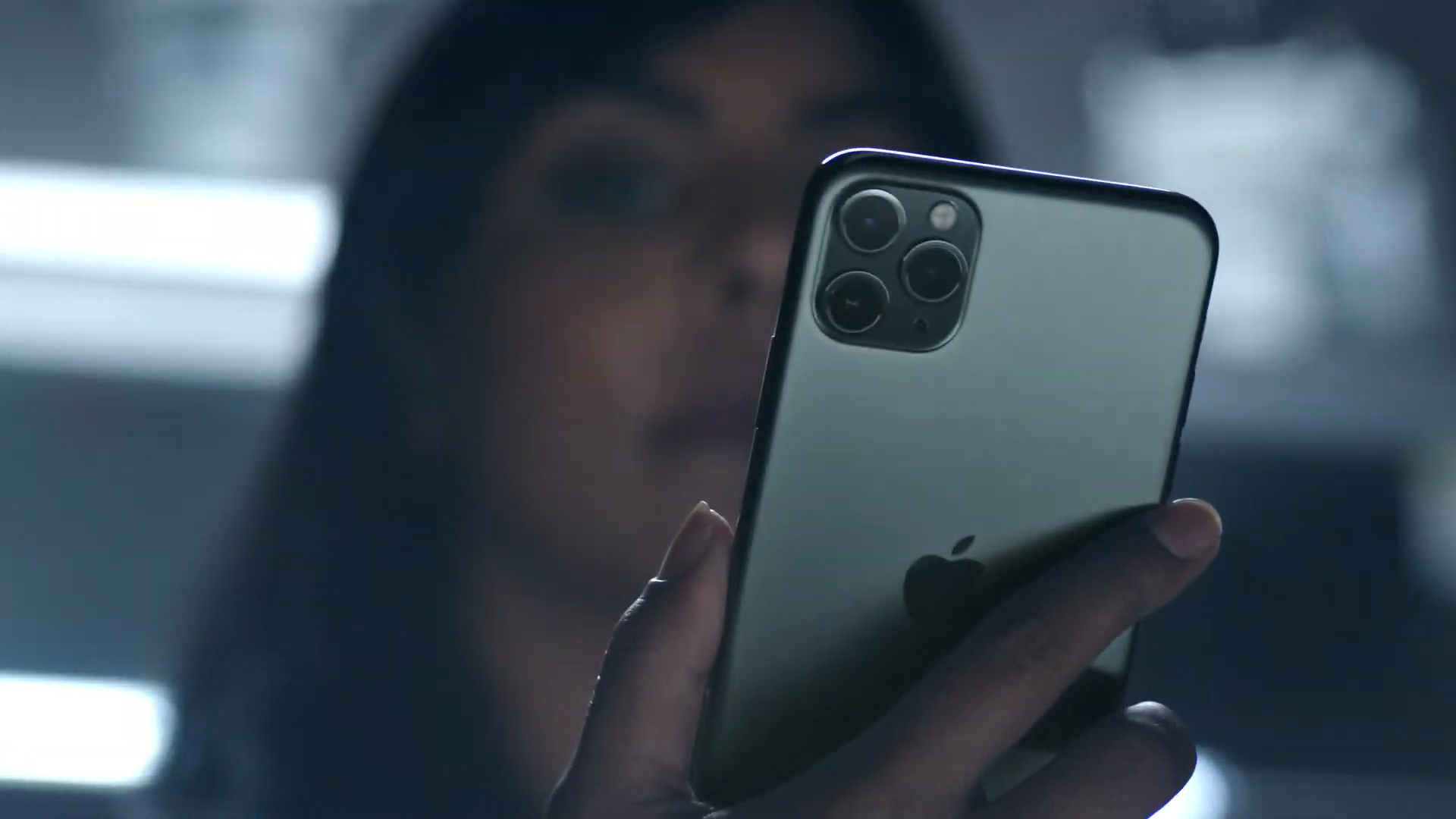 What's the difference between the iPhone 11 Pro and iPhone