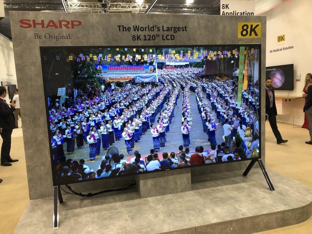 Sharp TV 8K 120 inches