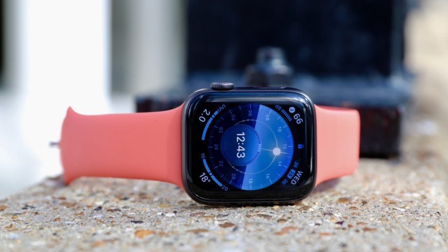 Apple Watch 5 front