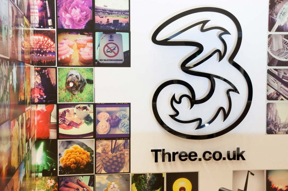 Three mobile in-store logo