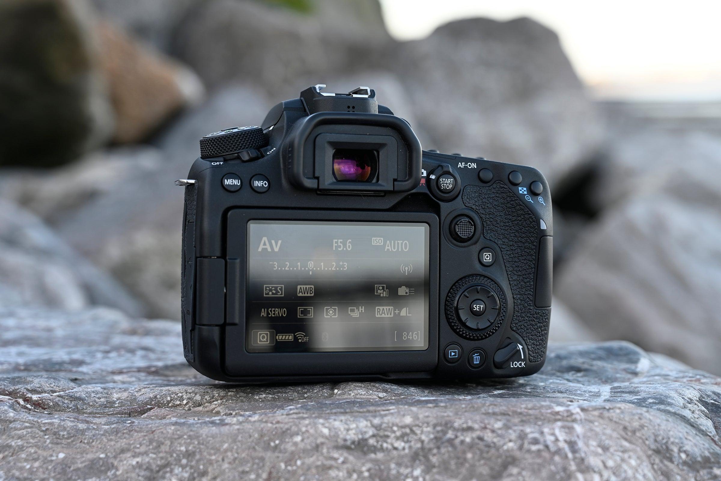 Canon 90D