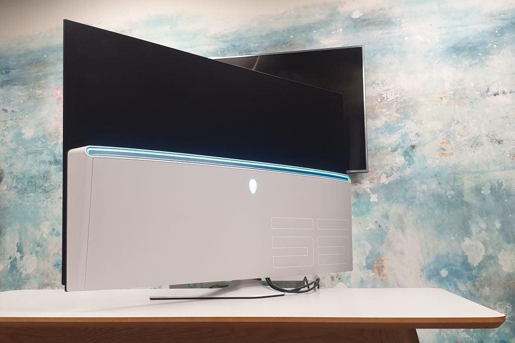Игровой OLED-монитор Alienware 55